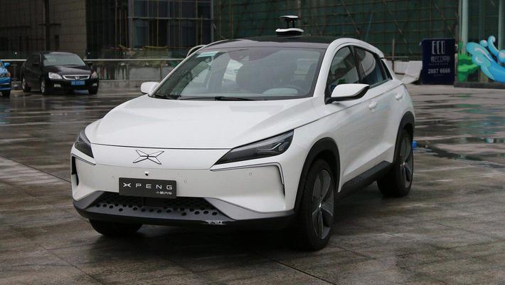 成功率是特斯拉的4倍?中国造出了最牛的自动泊车?