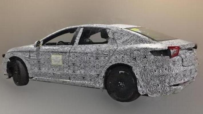 比亚迪全新中型车谍照 百公里加速2.9秒