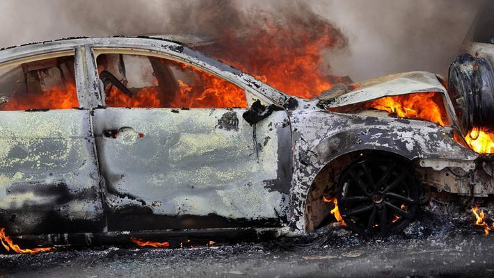 比亚迪被恶意纵火?电动车车企真心很难!