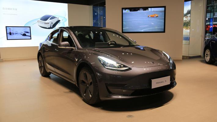国产特斯拉Model3亮相 明年1季度开始交付