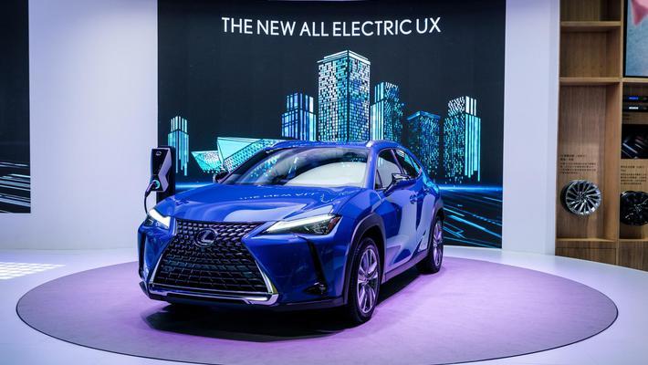 雷克萨斯首款纯电动量产车亮相广州车展