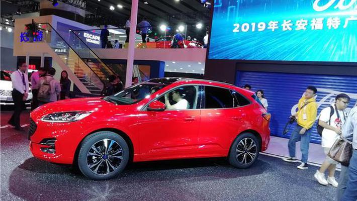 广州车展上的SUV热、电动化,预示明年车市向好?