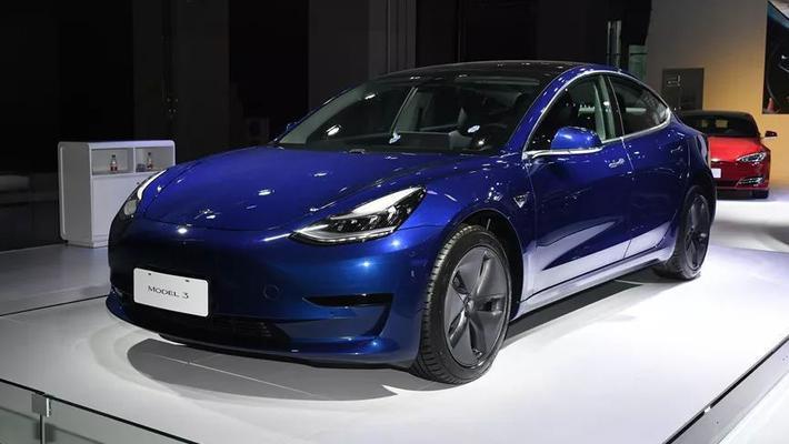 特斯拉Model3/宝马3系 养车费用差多少?