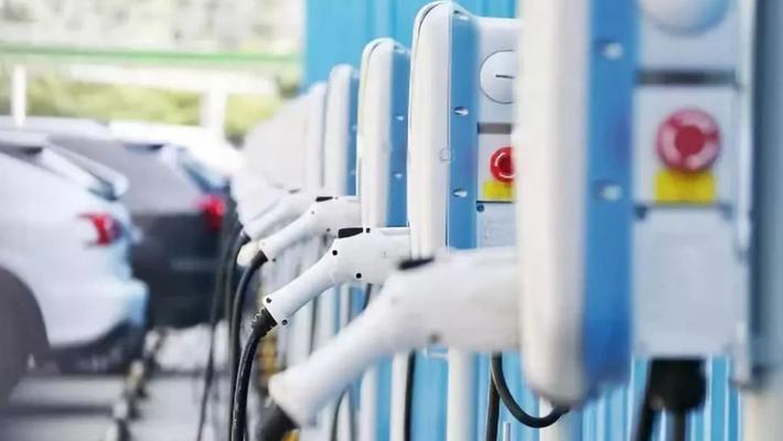 去年12月纯电二手车保值率环比下降,插电混动保持稳定
