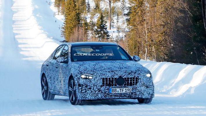 全新奔驰C级AMG高性能版谍照首曝 或配V6插混系统