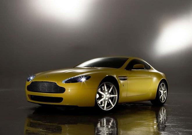 阿斯顿·马丁V8 Vantage(2005)