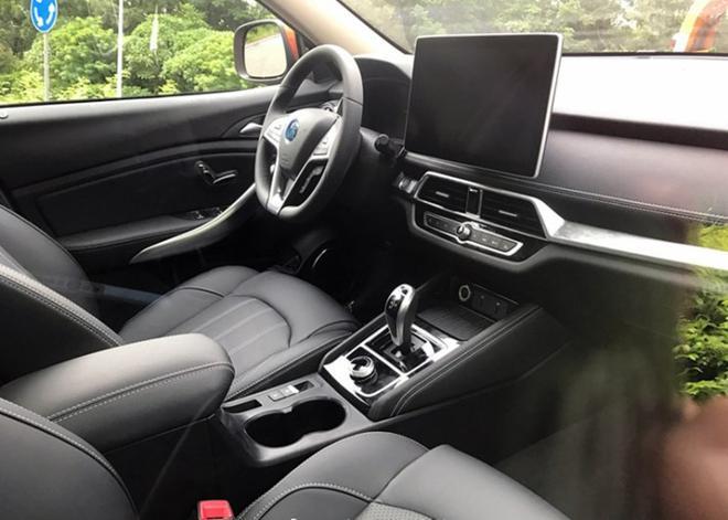 新款比亚迪宋EV实车图 续航400公里