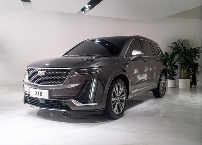 凯迪拉克XT6将亮相上海车展 内饰首发