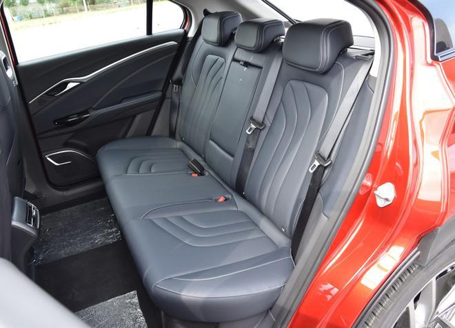 热门性价比之选 四款紧凑型纯电动SUV导购-第35张图片-汽车笔记网