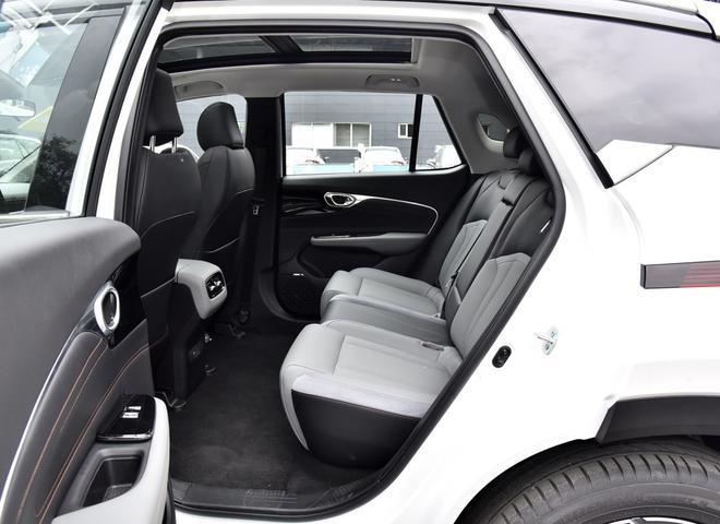 热门性价比之选 四款紧凑型纯电动SUV导购-第8张图片-汽车笔记网