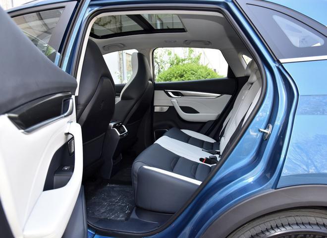 热门性价比之选 四款紧凑型纯电动SUV导购-第26张图片-汽车笔记网