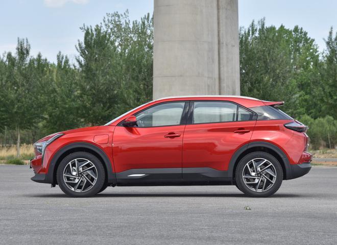 热门性价比之选 四款紧凑型纯电动SUV导购-第31张图片-汽车笔记网