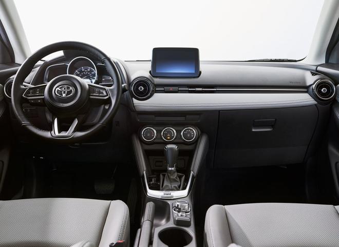 丰田YARiS两厢版将于纽约车展首发 基于马自达2