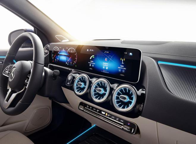 奔驰全新GLA发布 造型更硬朗/增PHEV车型