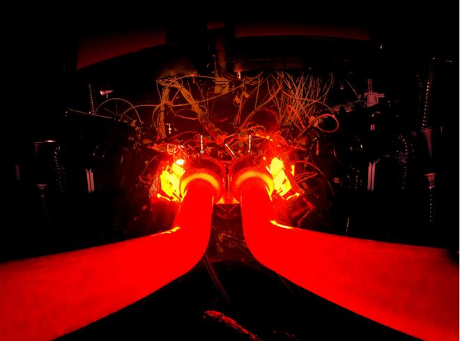 推进高性能混合动力战略 阿斯顿•马丁研发新V6发动机