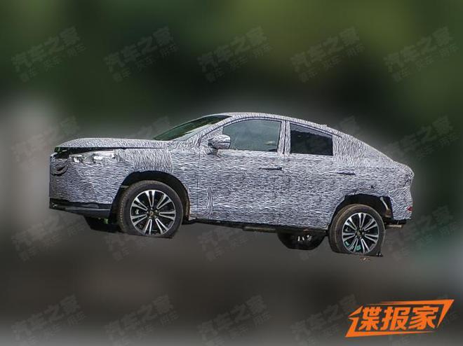 或与新GS4同平台 传祺全新轿跑SUV谍照