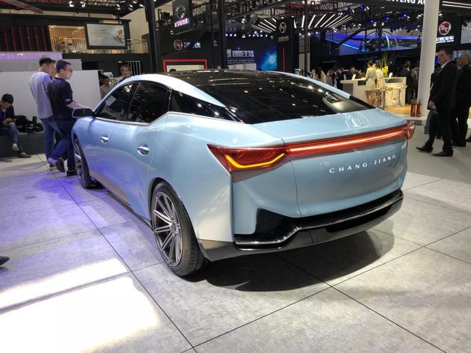 续航超1000km 长江汽车三款电动车发布