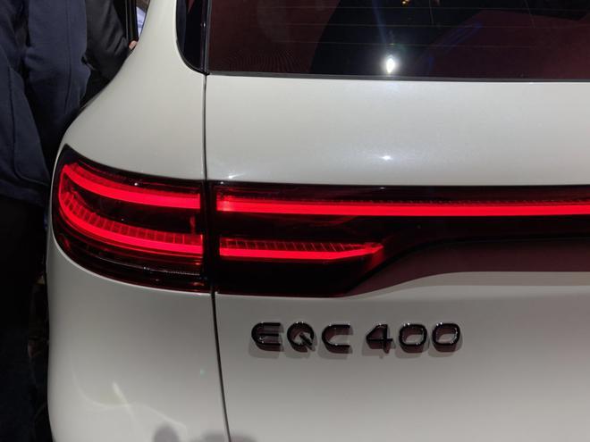 奔驰EQC外观