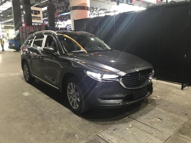 马自达全新SUV CX-8全新亮相广州展馆