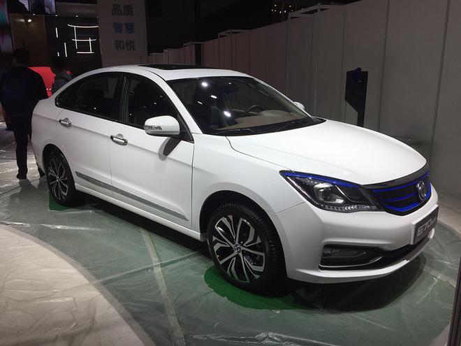 2018广州车展:风神新款AX3/E70 500车型正式上市