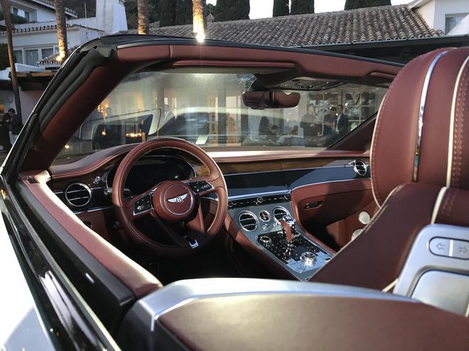 全新宾利欧陆GT敞篷版上市 售价328.10万元起