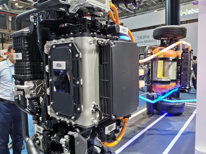 2019进博会:续航805公里 现代氢燃料汽车NEXO亮相