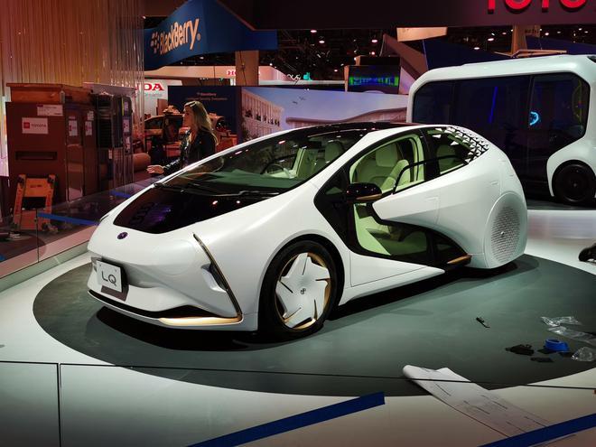 2020CES:续航约300km 丰田LQ概念车亮相