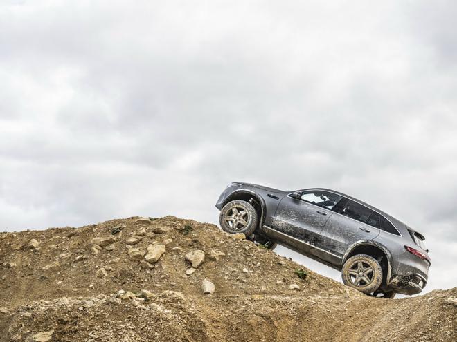 全新奔驰EQC 4×4²概念车正式发布 电动SUV变身真正越野车