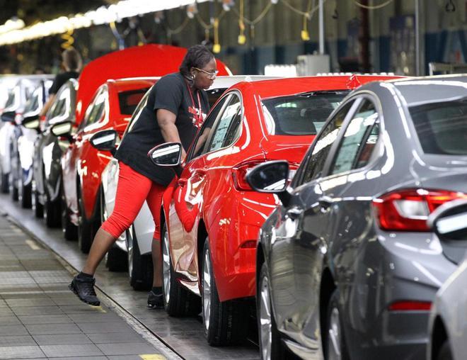 通用汽车大规模工人罢工背后:从2009年破产中复苏以来生产率逐渐下滑