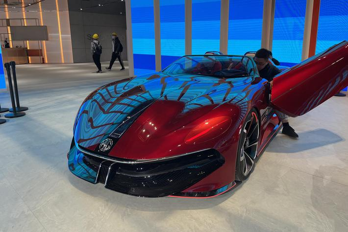 2021上海车展探馆:上汽名爵Cyberster概念车