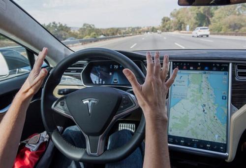 特斯拉推崇多年全自动驾驶要凉?官网撤下驾驶宣传项
