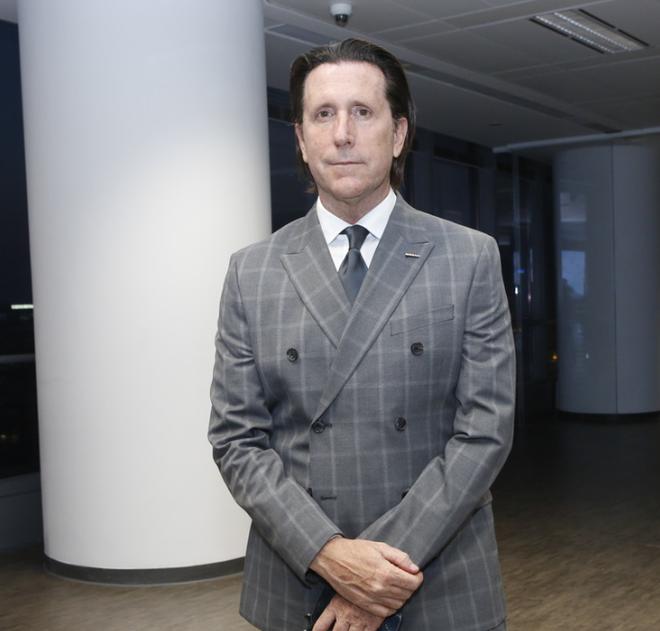 日产汽车公司全球设计高级副总裁阿方索·阿尔拜萨(Alfonso Albaisa)先生