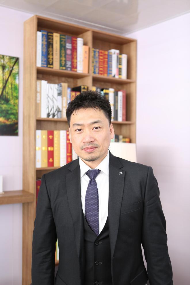 """邓凌:SUV云逸是为年轻人定制的""""专属座驾"""""""