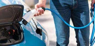 新能源二手车保值率低:14万买入两年后卖3.5万都没人要