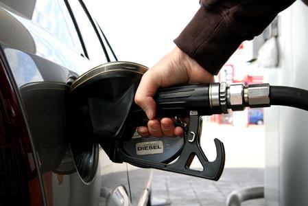 热浪 发改委:今日国内油价仍不做调整
