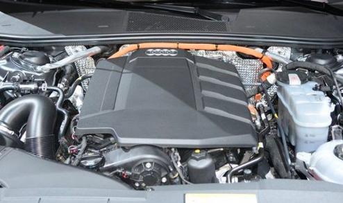 奥迪全新A6L插混版曝光 油耗降至2.1L