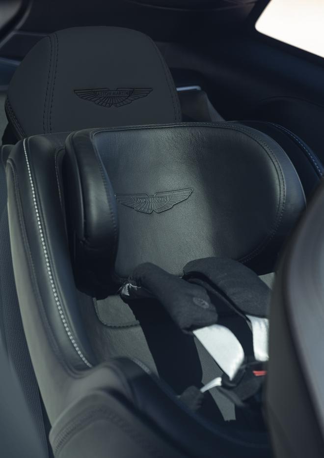 11月20日全球首发 DBX实车首次曝光