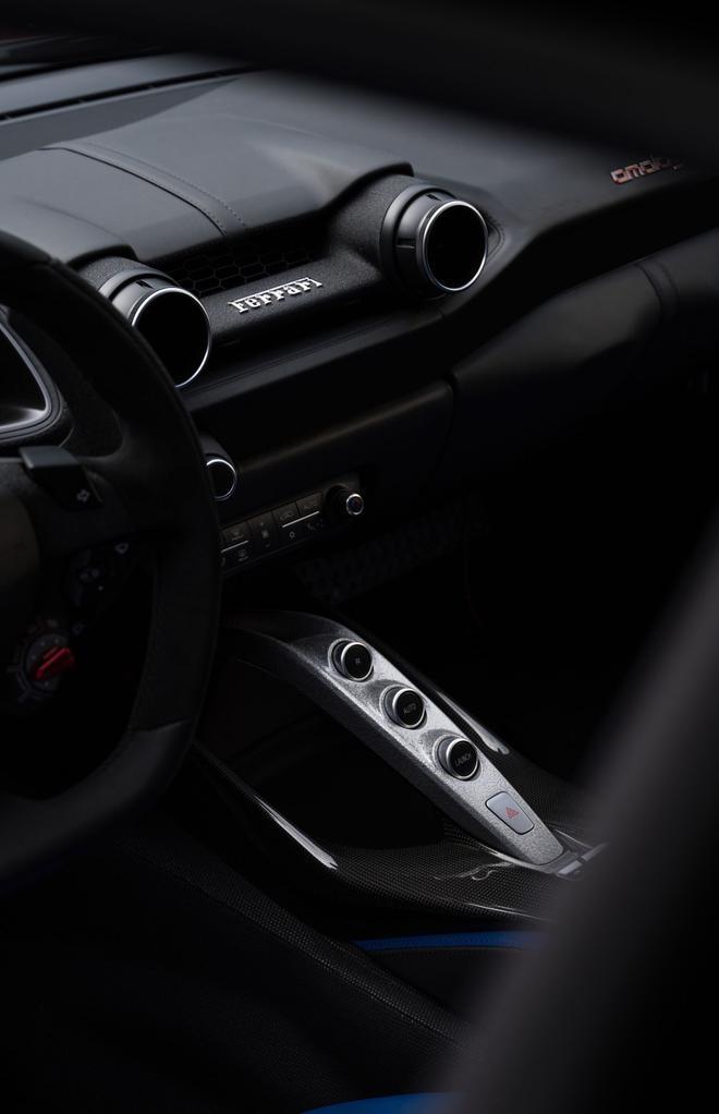 全新法拉利Omologata诠释GT传承 2.9秒破百