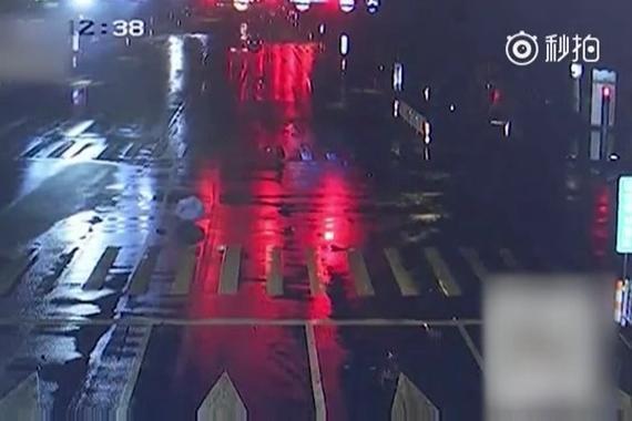 宝马男酒驾撞老人致死:飞速顶行57米