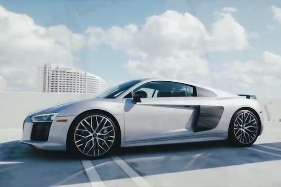 视频:超级美型,超级跑车 奥迪R8