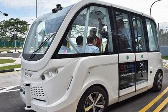 美国计划对自动驾驶卡车和公共汽车立法