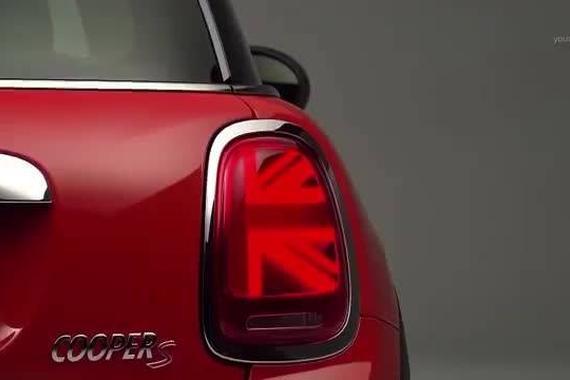 视频:新款大灯简直就是911的灯