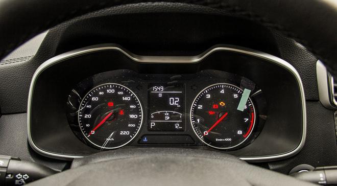 主力小型SUV之争 名爵ZS VS 日产劲客
