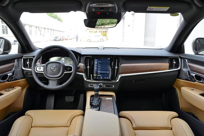 2018年度车车型介绍:沃尔沃亚太S90