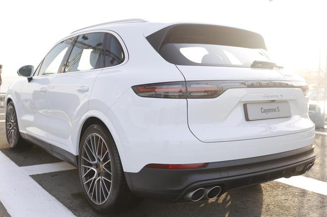 新浪汽车2019年度车 今年新车流行什么设计