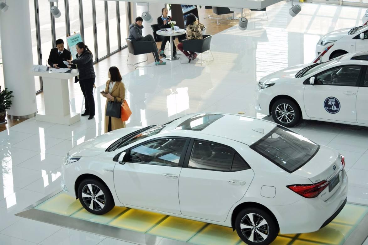 中汽协:2月乘用车销量同比下降22.1%