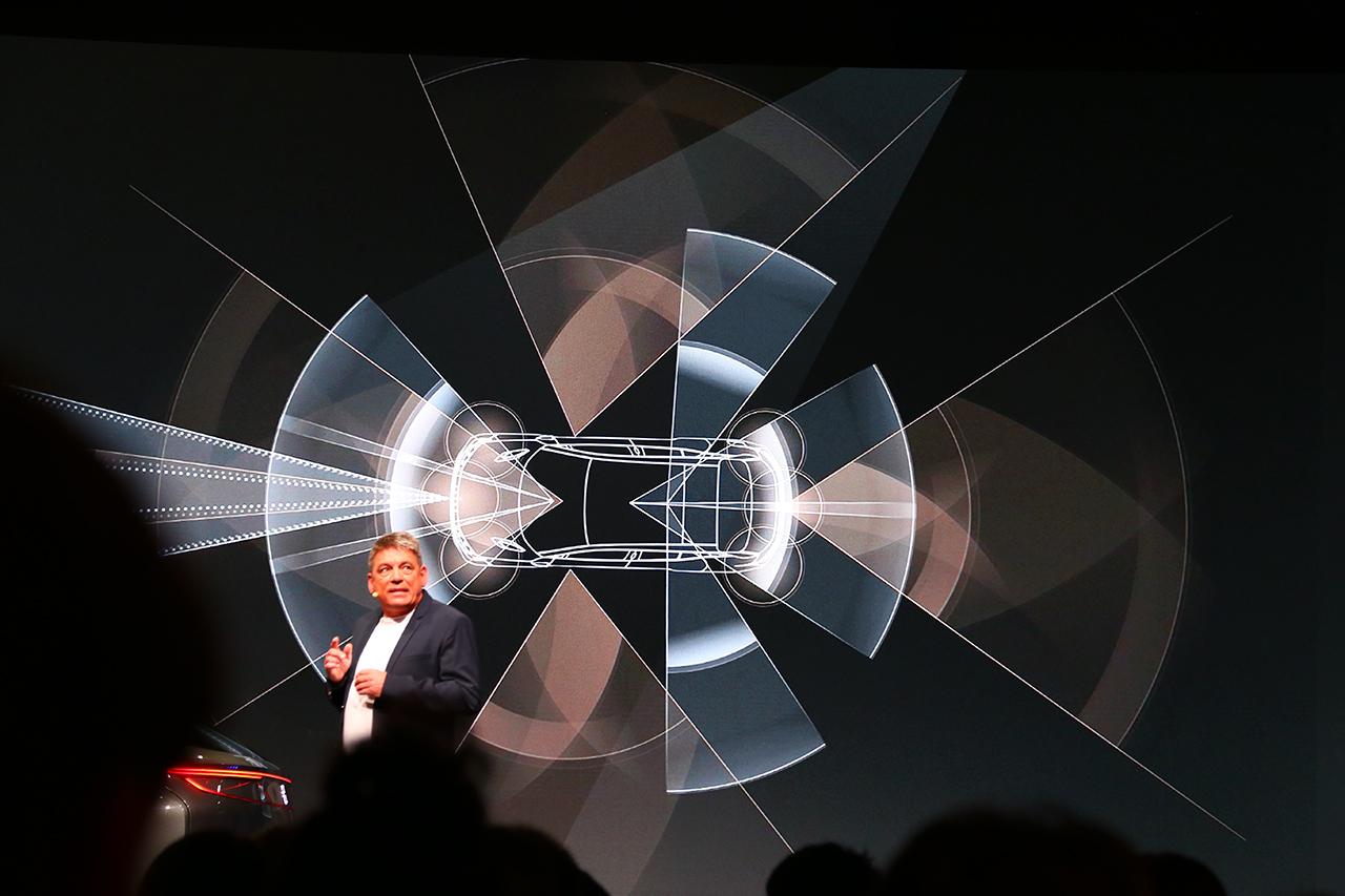 拜腾电动车全球首发 预售30万起 续航520km