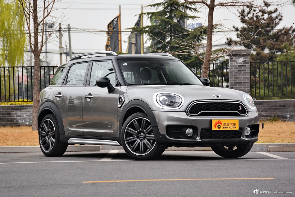 2017款MINI COUNTRYMAN 2.0T自动COOPER S ALL4旅行家