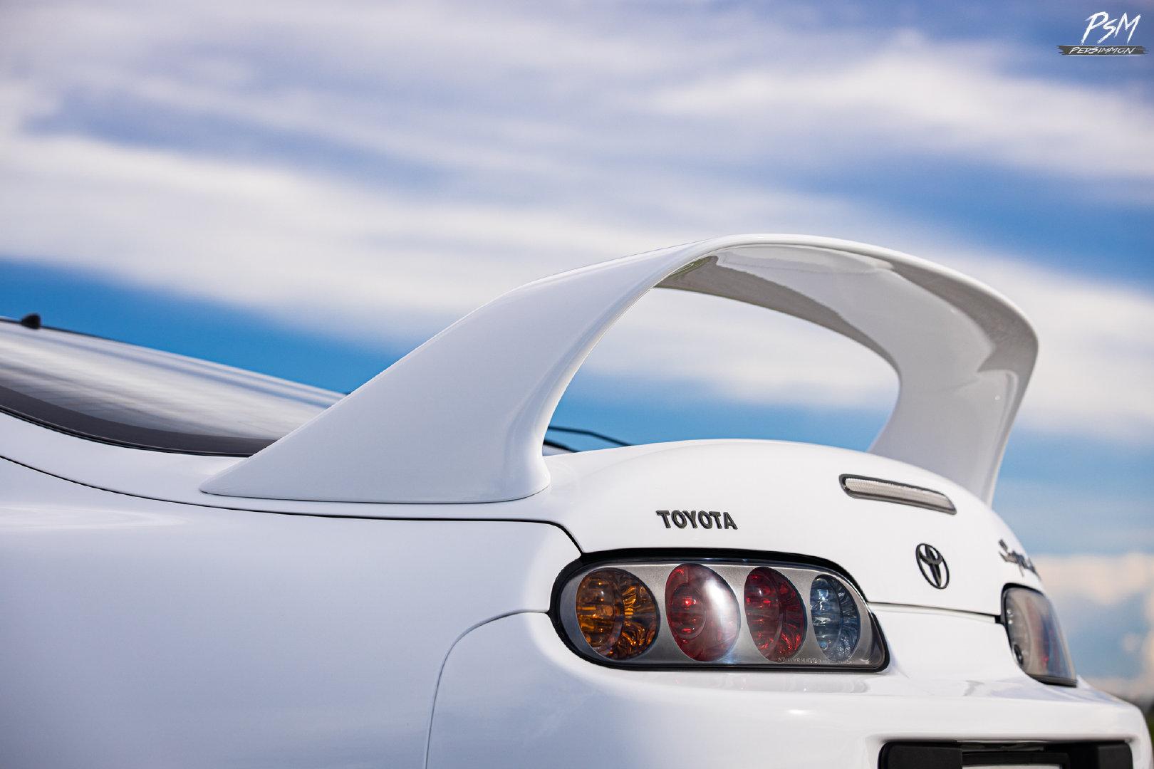 汽车美图:经典的 丰田Supra JZA80