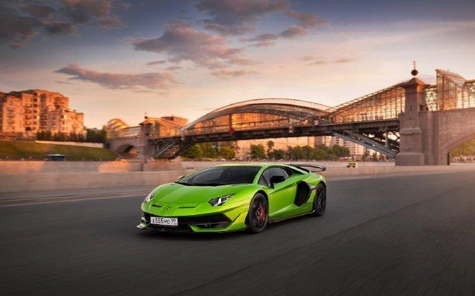 Lamborghini Aventador SVJ 极致的美感。